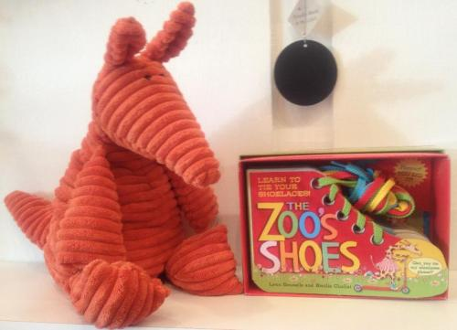 Learn To Tie Your Shoes With Zoo's Shoes
